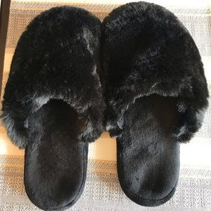 EUC woman's slippers